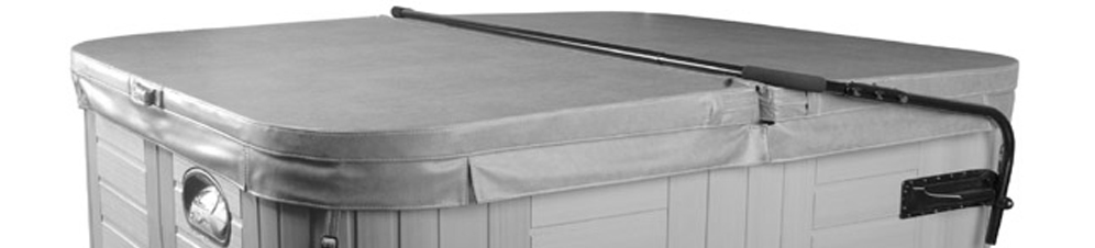 Hot tub cover with lifter