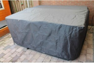Protective hot tub cover