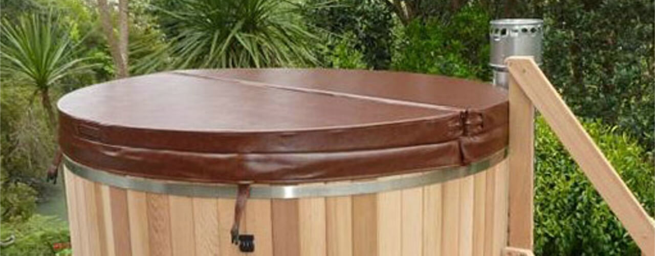 Round hot tub cover